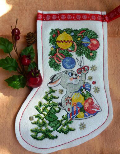 Project Idea with Christmas Stockings Cross Stitch Embroidery Designs