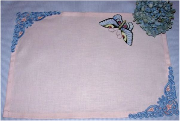 Dining Napkin with Dantela Lace Corner