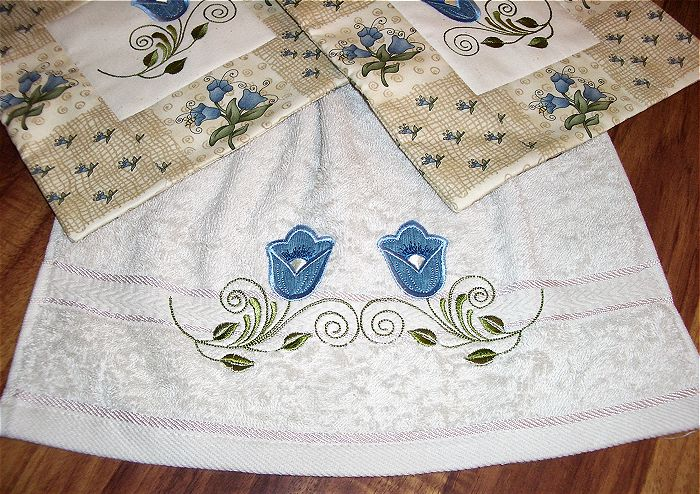 Kitchen Towel And Potholders With Pastel Tulips