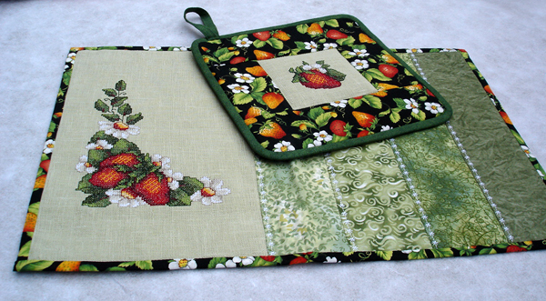 Strawberries Flavor Quilt Set