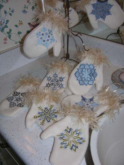 Holiday Fleece Mitten Ornaments with Snowflakes Embroidery Designs