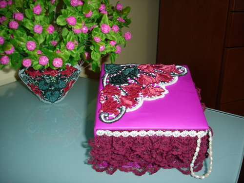 Stand Alone Lace Embroidery Designs : Cyclamens lace