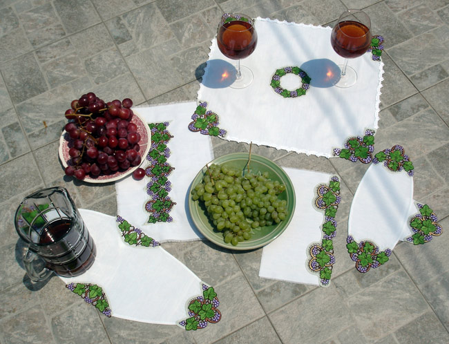 Kitchen Set with Grape Lace