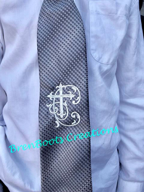 Christian Crosses machine embroidery font Tie project idea